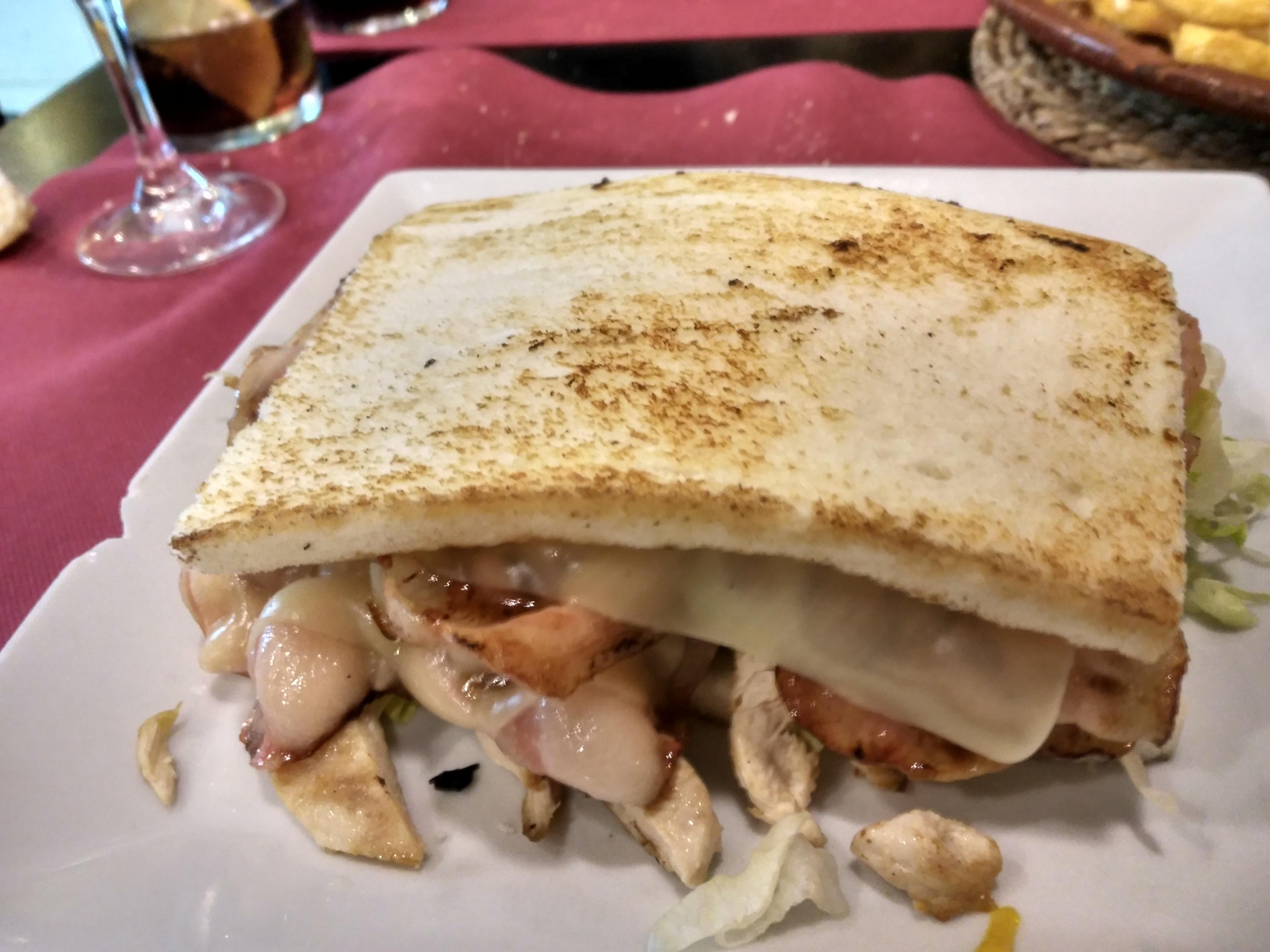 Sandwich Dinamita Urkia
